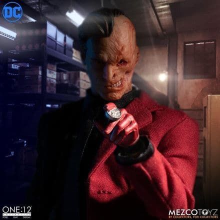 Mezco One:12 Collective DC Two Face Action Figure