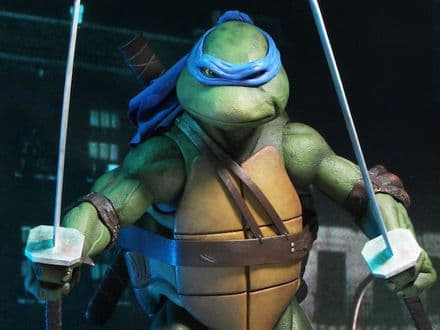 NECA TMNT (1990 Movie) Leonardo 1/4 Scale Figure (Teenage Mutant Ninja Turtles)