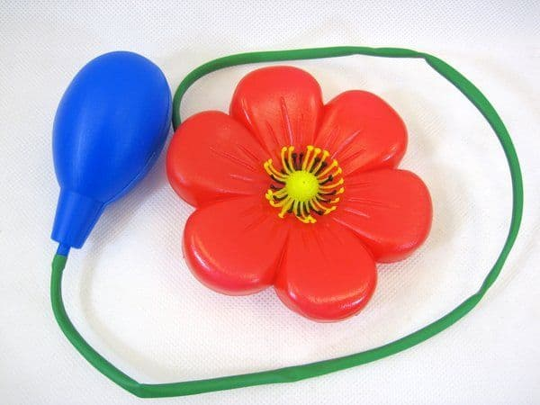 Joke Water Squirt Clown Flower  Red with Sque Gag Trick Novelty