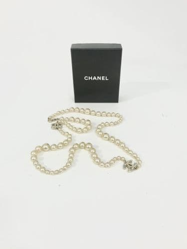 Chanel Pearl Effect Necklace #10262/18 M