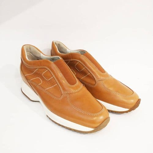 Hogan Tan Slip on Trainers Size 39 #69/1435/A
