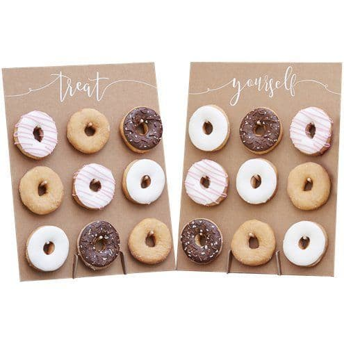 Stand: Rustic Country Doughnut Wall