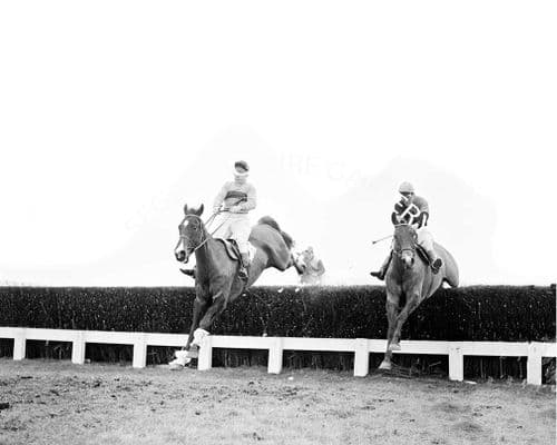 Sir Ken with T Molony (282-04)
