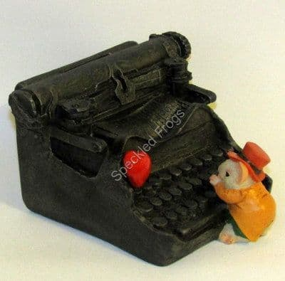 Mouse with Typewriter